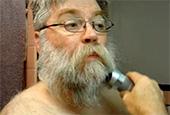 Видео: Стрижка бороды с трех дюймов до ½ дюйма.